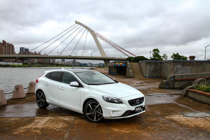 柴能動力首現 Volvo V40 D4 R-Design