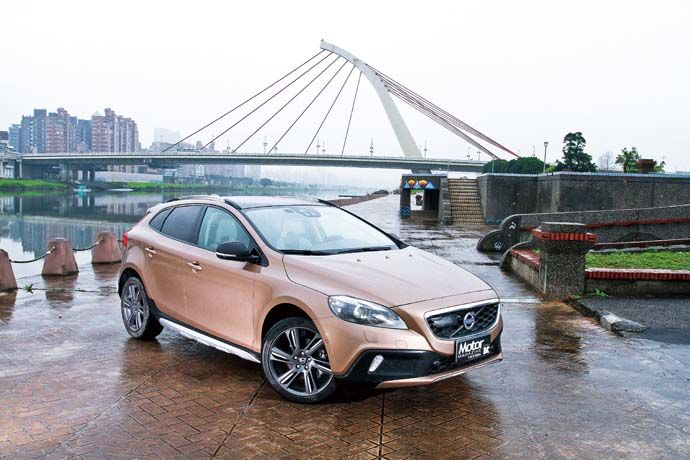 新北歐探險家 Volvo V40 Cross Country D2