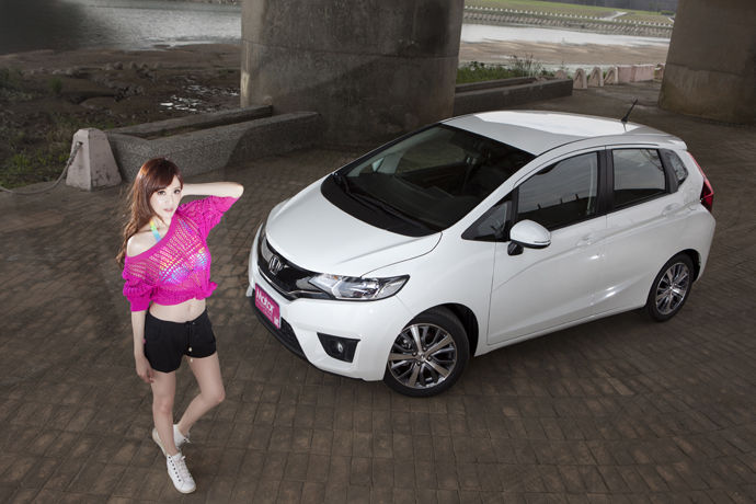 Date With LUCY - Honda Fit 1.5 VTi-S 都會精靈