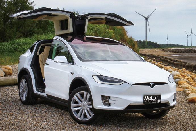Tesla Model X 75D 鷹翼一展 電翻全場