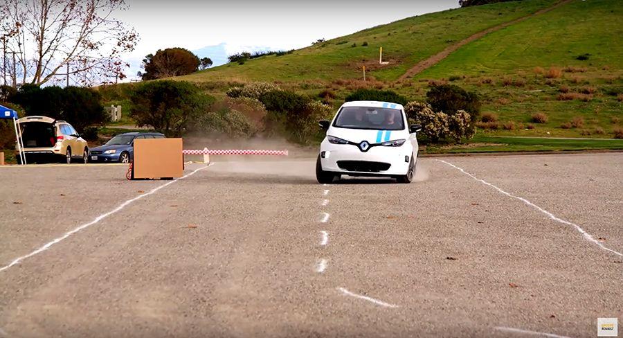 自動駕駛Renault Zoe比三寶還會開車