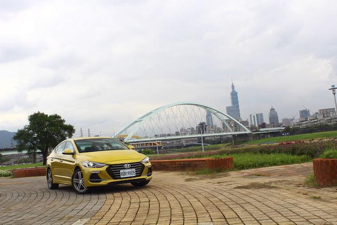 韓式嗆辣跑房車,2017 Hyundai Elantra Sport試駕