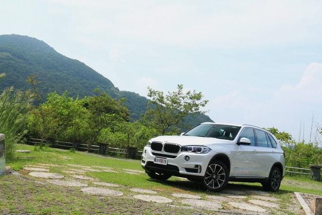 集智慧、豪華、舒適、安全於一身 BMW X5 xDrive25d極智白金版試駕InCar癮車報