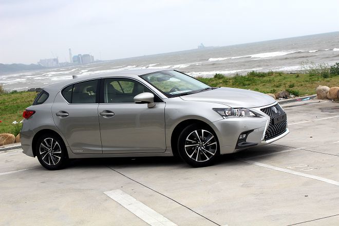 都會新貴新面貌—小改款Lexus CT200h試駕報告