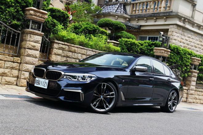 4秒破百的BMW M Performance頂級之作 M550i xDrive試駕