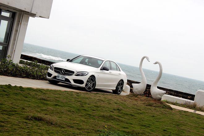 「完美平衡」:Mercedes-AMG C43 4Matic Sedan試駕報告(外觀、內裝篇)