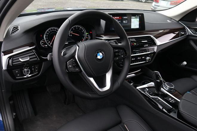 德國高科技豪華房車 BMW七代5 Series 530i Luxury/M Sport試駕-外觀內裝篇: Page 2 of 2