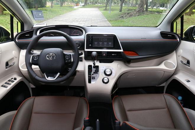 大內空間高手 Toyota Sienta 1.8L尊爵版試駕-外觀內裝篇: Page 2 of 2