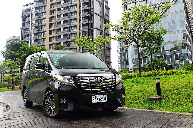 頂級大和休旅象徵、新世代Toyota Alphard Executive Lounge試駕(前篇)