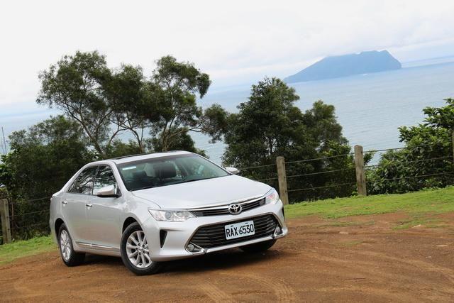 Toyota七代小改款Camry 2.0 尊爵版試駕