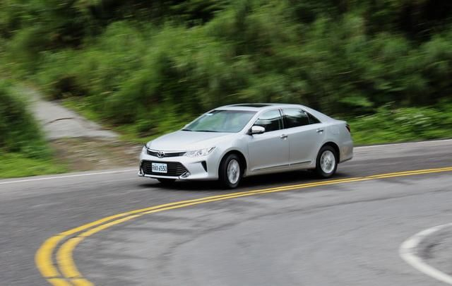 Toyota七代小改款Camry 2.0 尊爵版試駕: Page 3 of 4