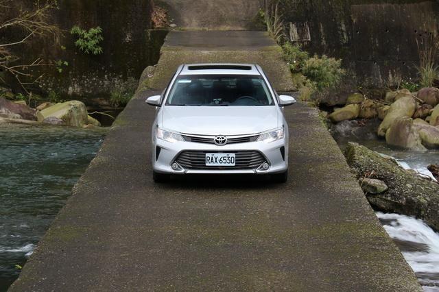 Toyota七代小改款Camry 2.0 尊爵版試駕: Page 4 of 4