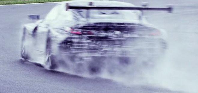 BMW M8 GTE已在賽道上進行熱身測試了!