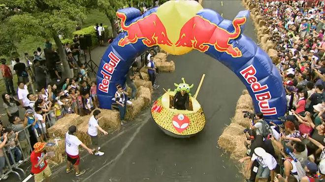 2013年第一次在台灣的皂飛車大賽,現在看來依舊令人捧腹大笑!