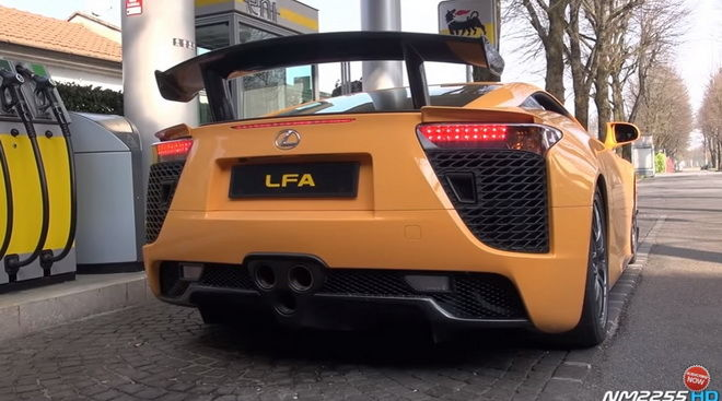V10聲之戰役  Lexus LFA vs. Porsche Carrera GT