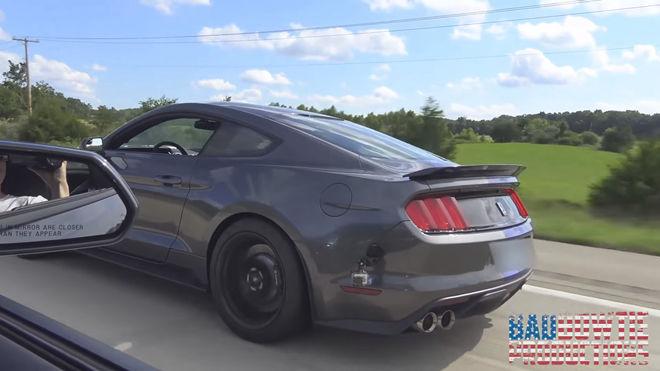 [影片]大黃蜂Camaro SS遇見Mustang GT350有勝算嗎?