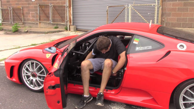 [影片]帥的代價 開著Ferrari F430 Challenge上路真的享受嗎?