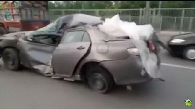 就算身受重傷也拒絕死亡的Toyota Corolla
