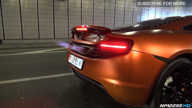 [影片]雙出火焰噴射 McLaren MP4-12C隧道裡「遛起來」