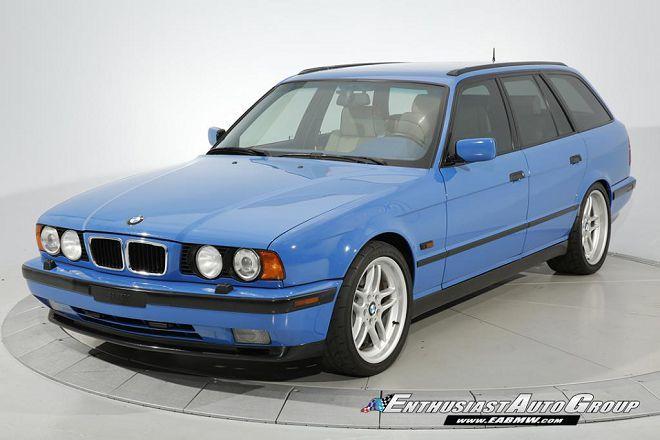 僅有兩部的Santorini Blue藍色1995 BMW M5 Touring