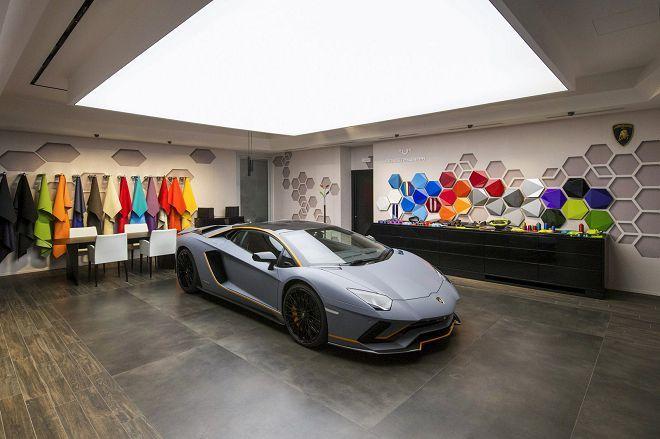 Lamborghini Ad Personam客製化部門替Goodwood帶來了一輛One-Off的Aventador S來妝點之