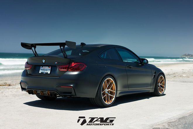 消光黑塗裝讓這輛BMW M4 GTS更顯完美