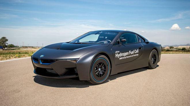 全面電動化 小改款BMW i8將「拔除」引擎?