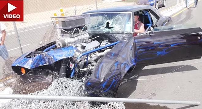 [影片]「直線加速」式樣大黃蜂「Camaro」路上耍帥結果撞毀