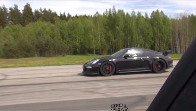 馬力大不一定就是贏,Audi RS7 直線加速對上 Porsche 911 GT3