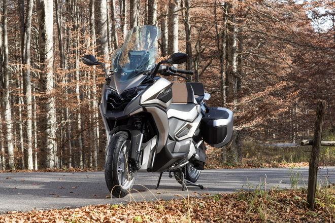KYMCO開創「Adventure Tourer」探險巡旅新境界 C Series Concept雙概念車-- CV2/CV3  2017義大利米蘭車展全球首演