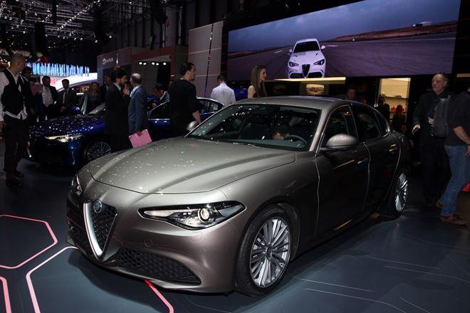 2016日內瓦車展:Alfa Romeo Giulia車系將擁有更多的引擎,還有手排變速箱給予熱血車迷選擇