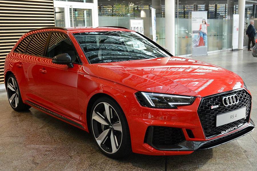 身形超迷人!披著經典豔紅色澤的2018 Audi RS4 Avant現身!