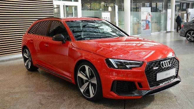 Audi RS4 Avant絕對是萬年不退流行款,管你什麼配色,帥度自不在話下!