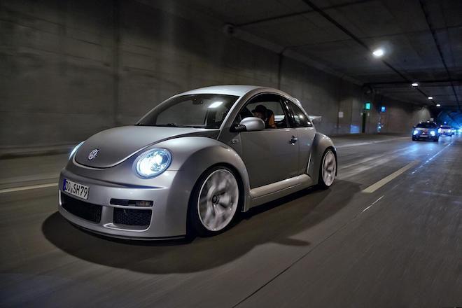 極度稀有,搭載著3.2升VR6引擎的「Beetle RSi甲殼蟲」直接衝下紐伯林尬一圈啦!(內有影片)
