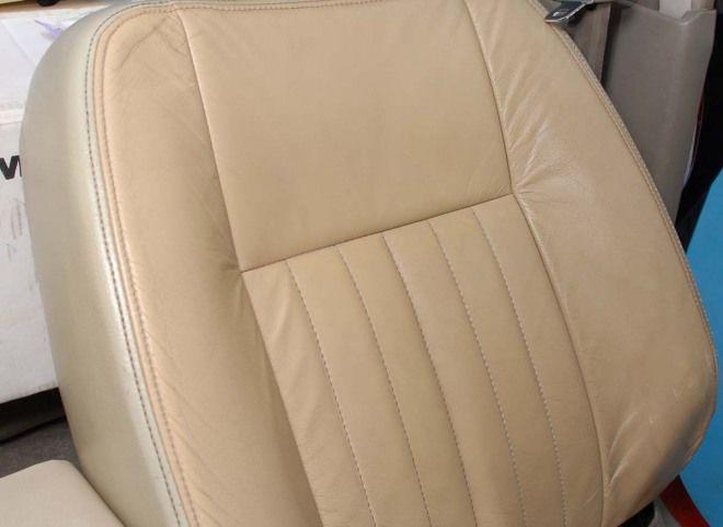 座椅+中控檯+地毯清潔 大海綿刷子是好幫手