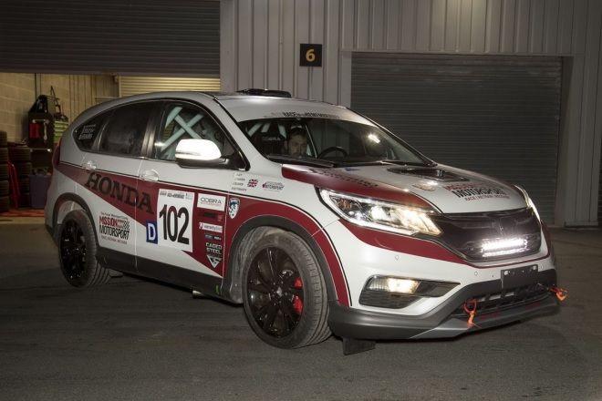 你相信Honda CR-V也跑比賽嗎?   偏偏有車隊用它跑12耐給你看!
