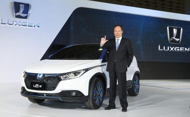 2018世界新車大展  LUXGEN U5 EV+展示一鍵停車技術