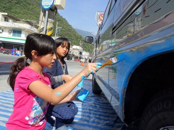 中華汽車再捐贈2台幸福守護專車 前進台東、屏東提供孩童接駁服務