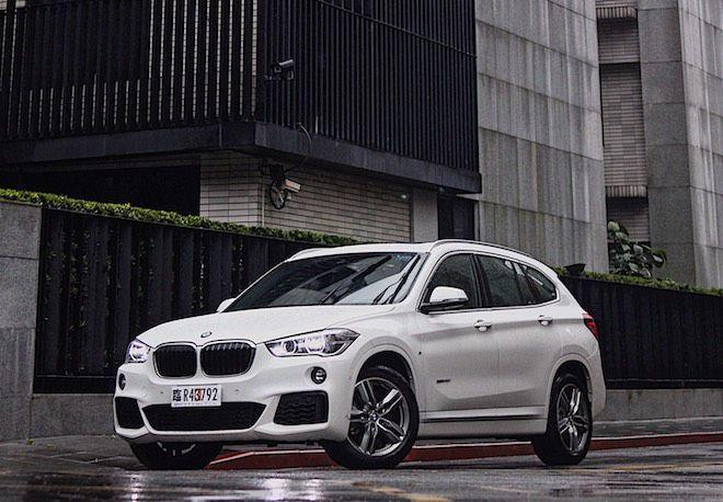 搭載M Sport空力套件後,不在單純只是家庭取向用車,更能滿足熱血男兒的視覺饗宴!BMW X1 sDrive 20i試駕