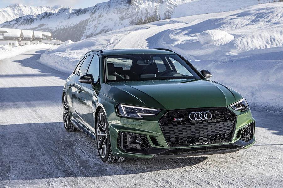 雪地加quattro簡直完美!和2018 Audi RS4 Avant來場冰雪奇緣吧!