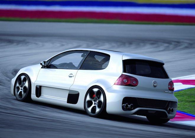只能說,Volkswagen在近幾年的「性能界」確實沒有什麼「爆點」!那我們只好回顧一下於2007年發表,搭載著W12引擎的Golf GTI W12-650 Concept吧!