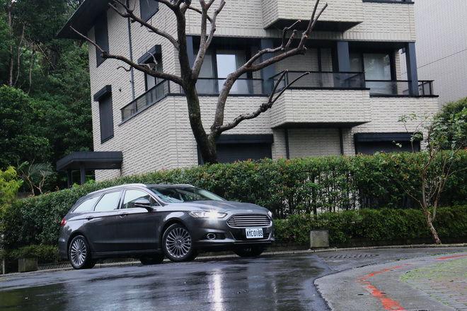 絶對實用 顏質高的大動力超質轎式旅行車 Ford Mondeo Wagon試駕