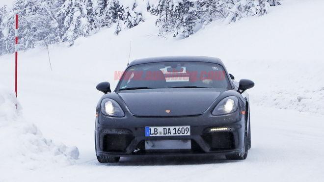雪地現踪 新Porsche 718 Cayman GT4可能搭載4.0升六缸水平對臥引擎