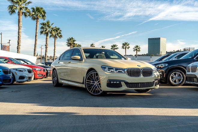 BMW 750i不稀奇,但配上ivory-yellowish配色後,直接化身為億萬富豪。