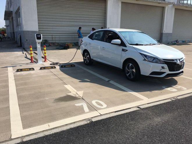裕隆電能攜手台鋁商場建置高雄首座公共開放式通用型電動車充電站