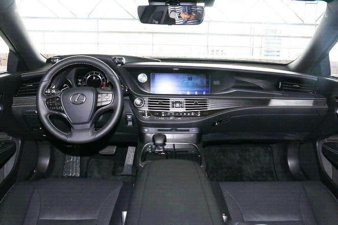 高等級藝術品 東洋豪華旗艦房車 第五代Lexus LS 350 試駕-外觀內裝篇: Page 2 of 2