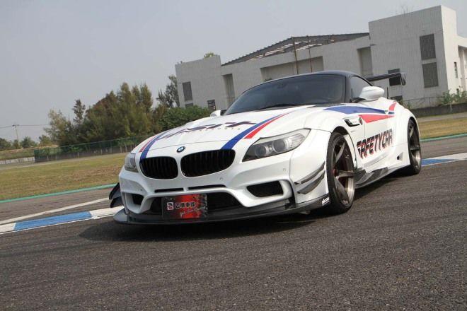 OP頑車聚-純正廠車式樣BMW Z4 Varis Style