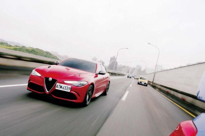 情迷義大利-蛇毒氣泡酒Alfa Romeo Giulia QV