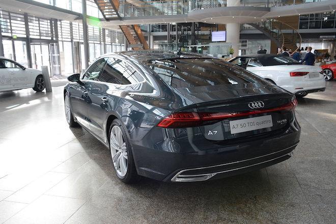 基本色看膩了?看看這輛以Blue Metallic塗裝呈現的2019 Audi A7 Sportback