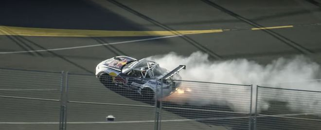 瘋狂麥克Mad Mike與Daniel Ricciardo一同駕著這輛「雙渦輪+四轉子」的Maita於Grand Prix賽道狂飆